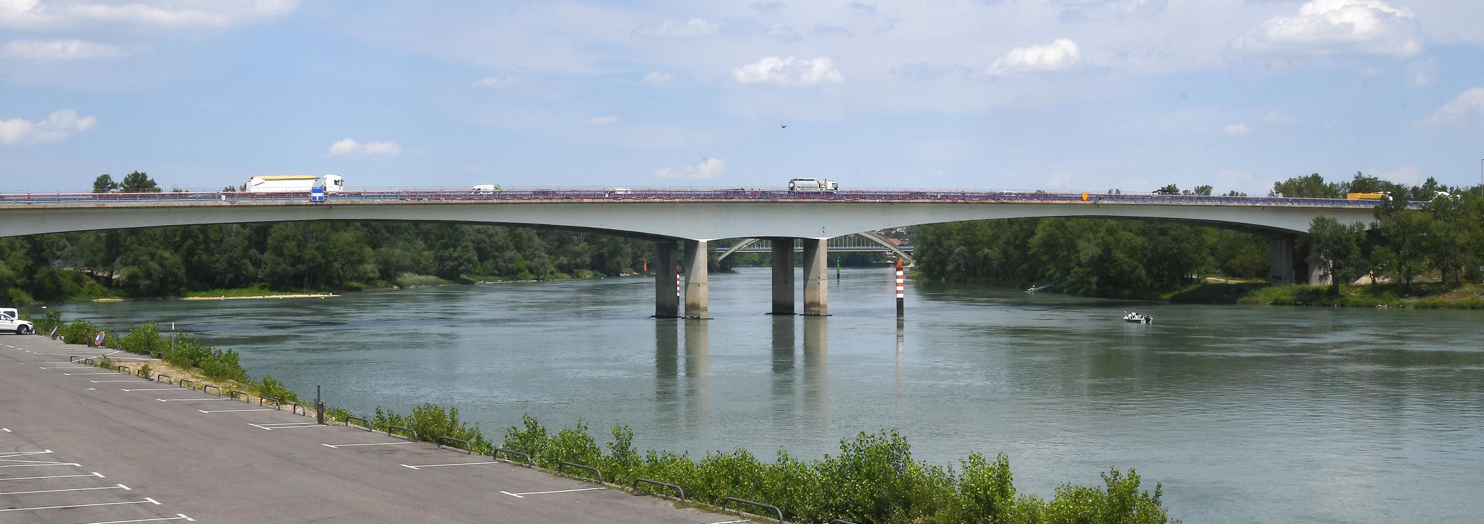Slide Pont A47