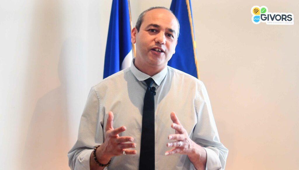 monsieur le Maire Mohamed Boudjellaba 2777